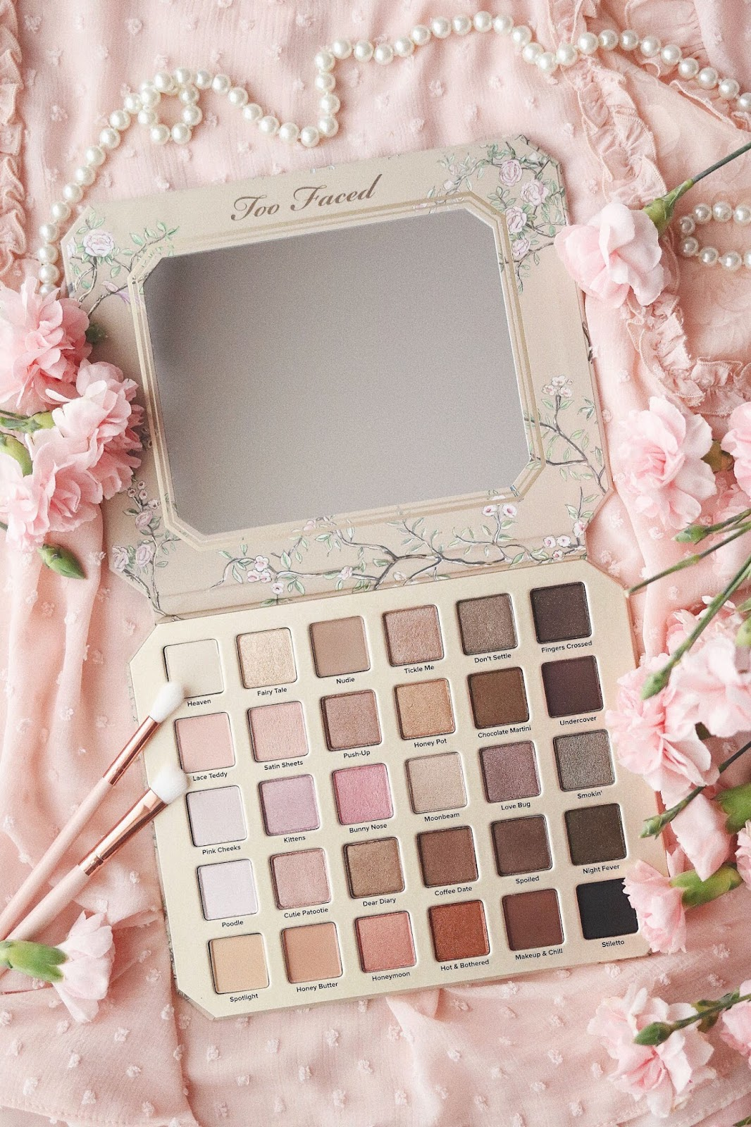 Natural Love Palette , TooFaced , Printemps Eté 2017, Love Light , Love Light Prismatic Highlighter , Romantic Palette , Natural Eyes ,rose mademoiselle ,rosemademoiselle , blog beauté ,revue , avis , swatch ,paris , beauté ,turoriel,