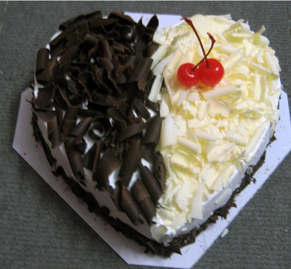 bánh sinh nhật hình trái tim cho bạn trai