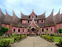 Istana Pagaruyung Destinasi Bersejarah di Sumatra Barat