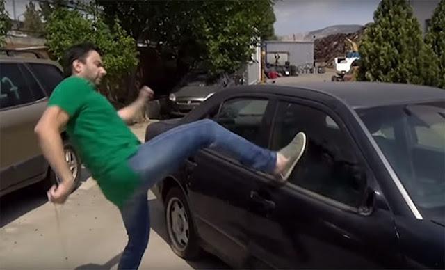Πως μπορείτε να σπάσετε το τζάμι ενός αυτοκινήτου για απεγκλωβισμό σε περίπτωση κινδύνου! [Βίντεο]