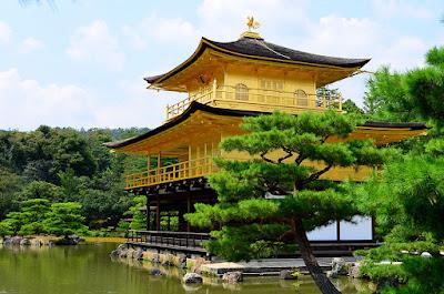 Kuil Paviliun Emas Di Kyoto Jepang