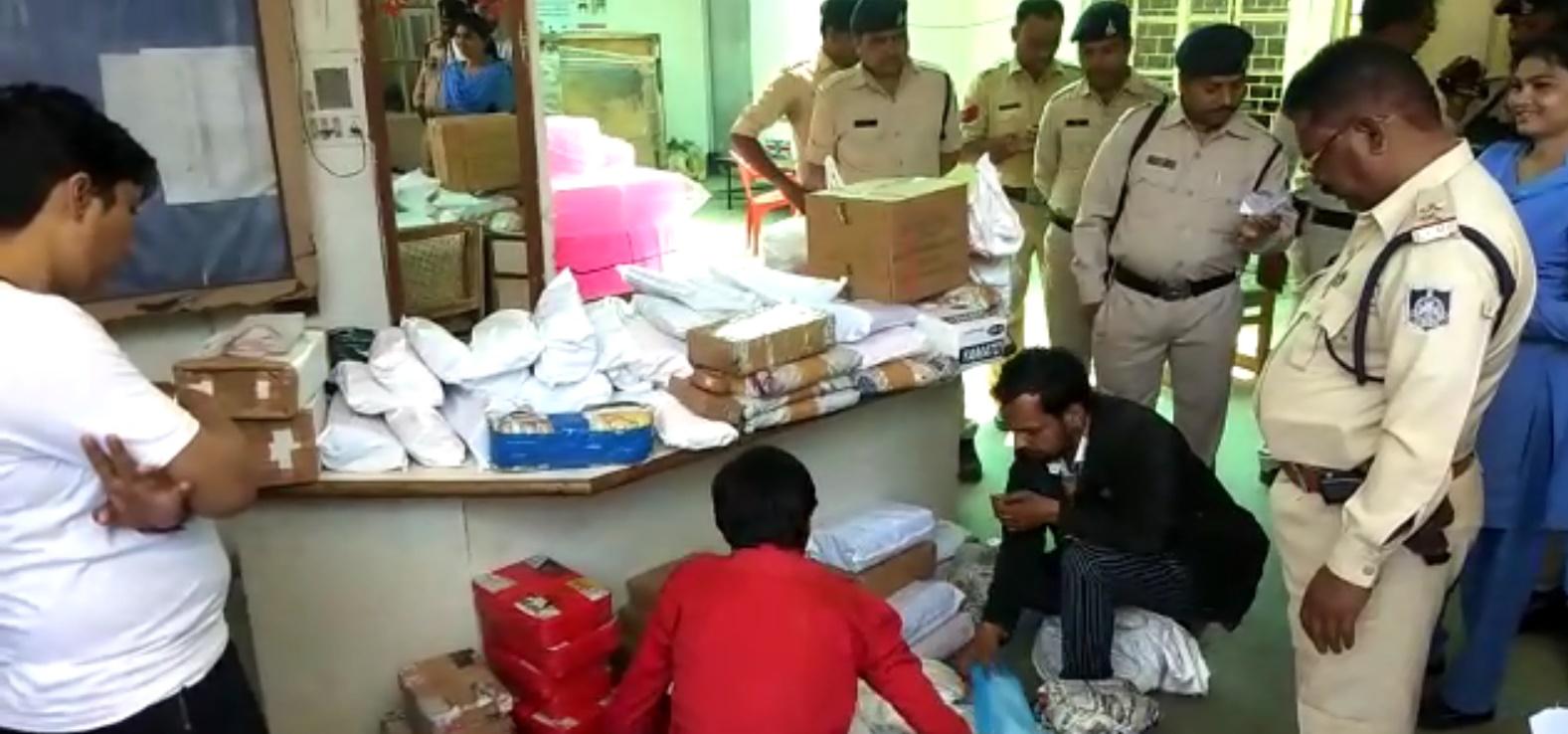 Jhabua News- Police Jhabua- एसयूव्ही कार में 80 लाख रूपये की चांदी लेकर जा रहे 3 युवक पकड़े