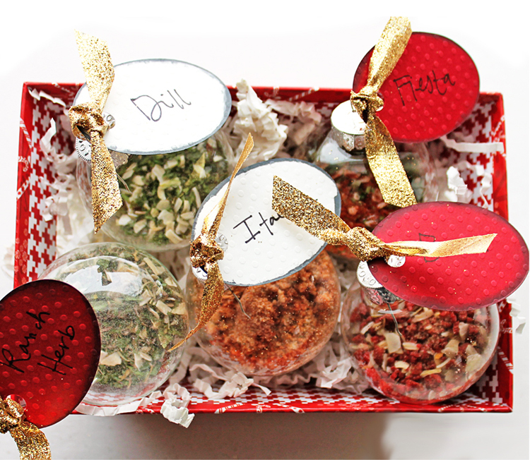 Make herb mixes and package them in glass ornaments!