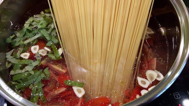 One Pot Pasta Rezept - schnellstes Pastagericht für die ganze Familie