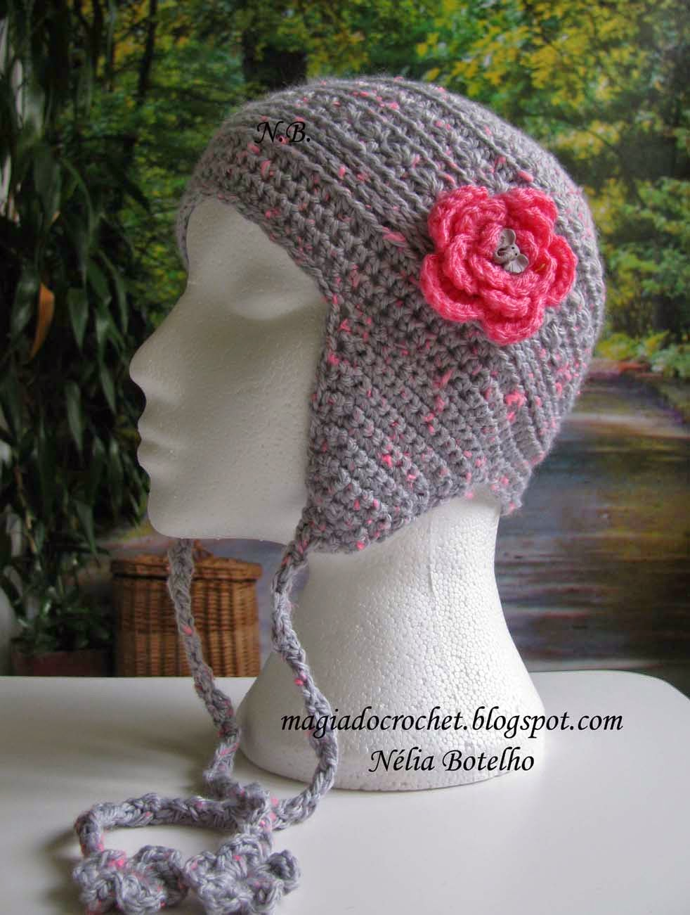 Gorro tapa orelhas em crochet para menina  a385d6d3366