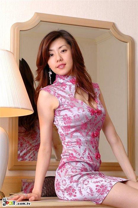 Sexy oriental mature women — pic 12