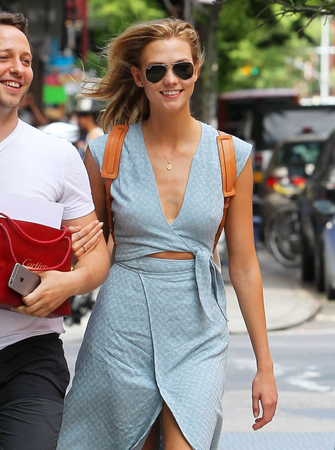Karlie Kloss shows off summer style in NYC