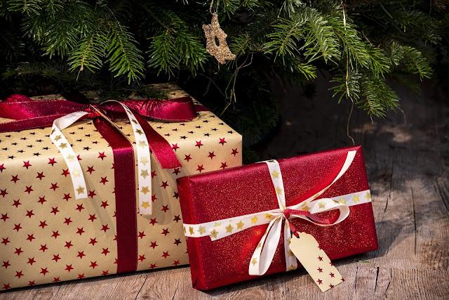 I regali di Natale sotto l'albero