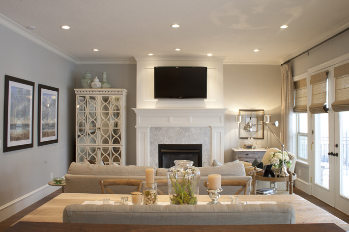 A touch of Luxe: Lovely open livingspace/ kitchen in douche colors