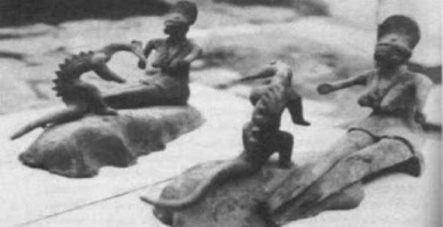Τα ερπετοειδή αγαλματίδια του Ακαμπάρο
