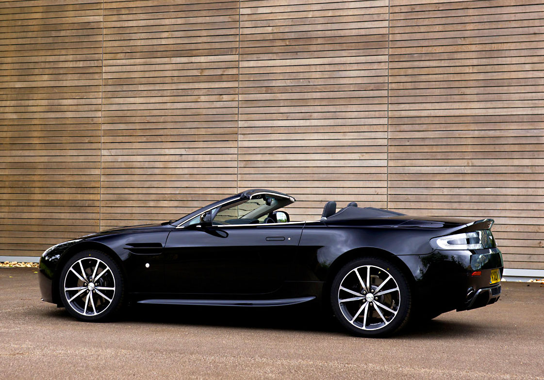 jake 39 s car world aston martin vantage roadster v8 model n 420. Black Bedroom Furniture Sets. Home Design Ideas