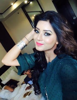 Aakansha Sareen Biography Profile Family  Husband Son Daughter Father Mother Children Marriage Photos.