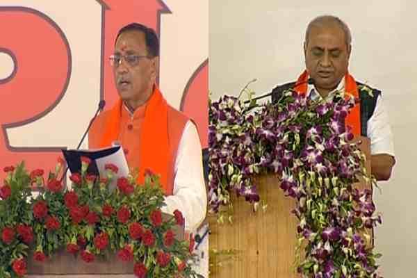 विजय रुपानी ने गुजरात के मुख्यमंत्री और नितिन पटेल ने उप-मुख्यमंत्री पद की ली शपथ