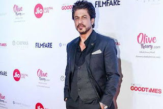 Celebrities at Filmfare Awards 2017 Exclusive Red Carpet Pics