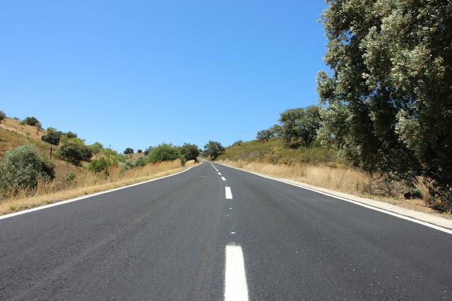 Está concluída a resselagem do Caminho Municipal N.º 1132 em Castro Marim