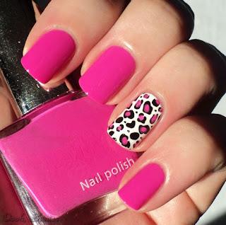 uñas pintadas rosa rosado