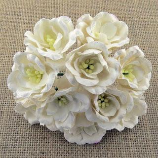 http://www.odadozet.sklep.pl/pl/p/Kwiatki-WOC-MAGNOLIE-white-362-35mm-5szt/6324