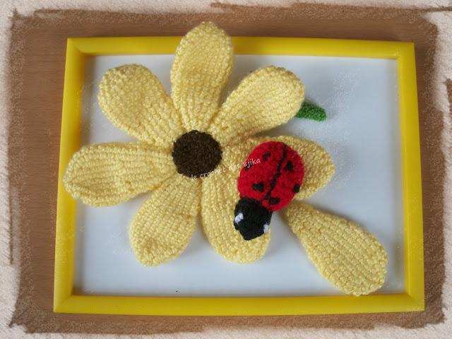 Cadre fleur au crochet
