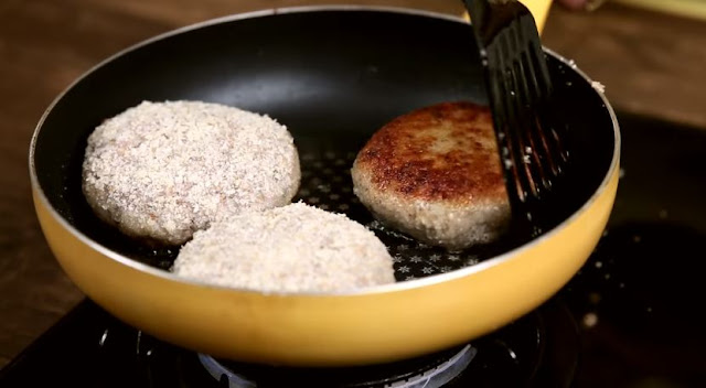 How to Make Chicken Burger