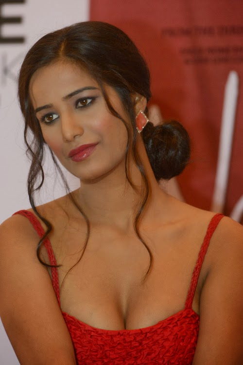 poonam pandey,sexiest heroins,hot boobs,sexy boobs,hot heroins,sexy heroins,most hot boobs heroins,most hot boobs pictures,heroin hot pictures,poonam pandey sexy