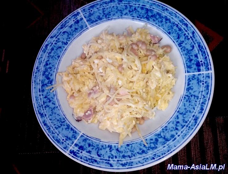 makaron z serem jajkiem szynką i fasolką pomysł na szybki obiad