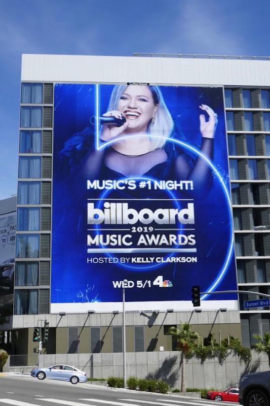 2019 Music Awards Kelly Clarkson billboard