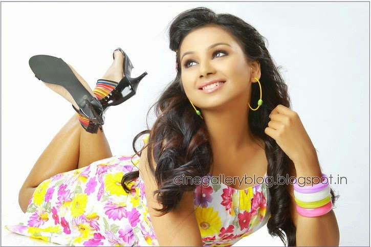 Arpitha Enny: Actress Mrudula Murali Sexy Photoshoot Gallery