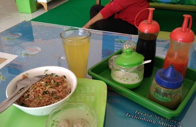 Sensasi Makan Bakso Ambil Sendiri Di Warung Deshintya Lampung