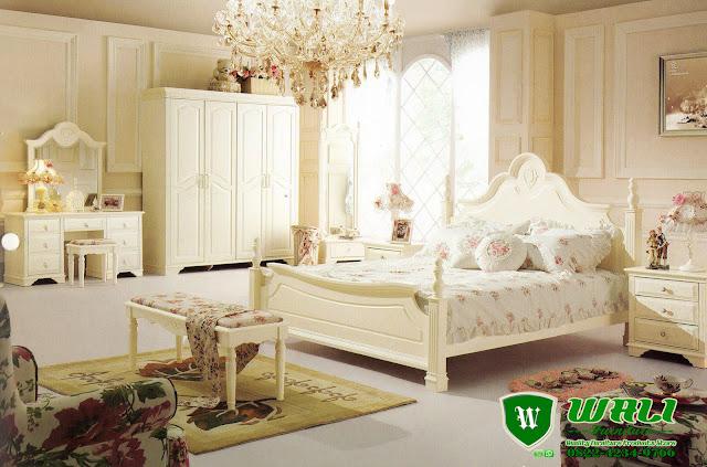 Set Tempat Tidur Minimalis French Style Terbaru Warna Putih Mewah