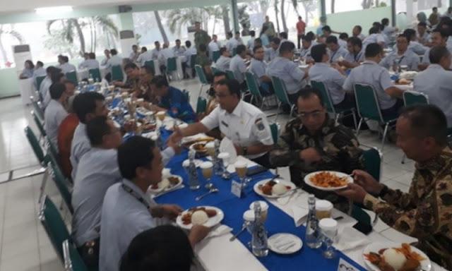 Kata Yusuf Mansur, Jokowi Puasa Senin-Kamis, Eh Terciduk Makan Siang, Netizen: Piye Iki Yai?