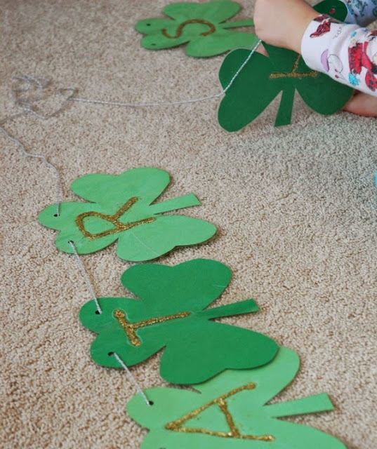 Shamrock garland for St. Patrick's Day-- craft for kids
