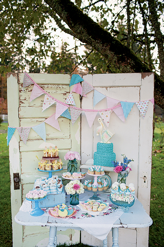 Vintage Baby Shower Ideas & Desserts Book Giveaway - via BirdsParty.com
