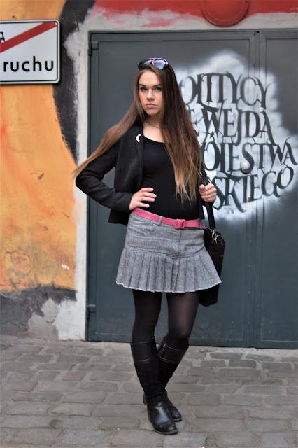 stylizacja-z-plisowana-spodniczka-tweedo