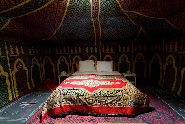 Jaima del Vivac de lujo del Auberge Café du sud en el desierto del Sahara