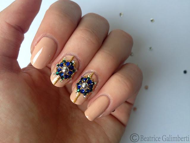 nail art russa con gioielli_03