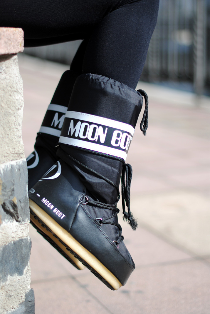 0f9b3bb949f4a MOON BOOT