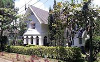 villa rasyid istana bunga
