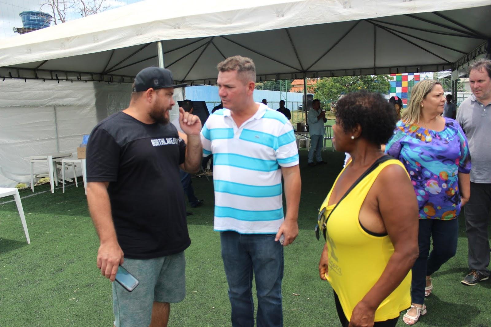 IMG 2856 - Novo administrador do Paranoá, Sergio Damasceno, começa seu primeiro dia de trabalho no Domingo ouvindo a comunidade local.