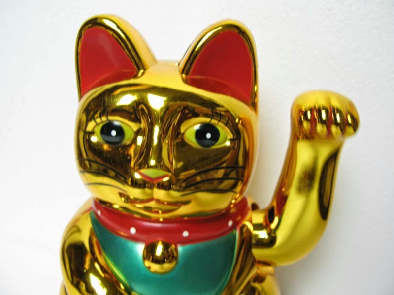 World Nesia Mitos Patung Kucing Maneki Neko Pembawa Keberuntungan