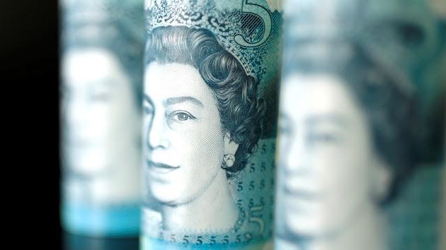 La libra esterlina se deprecia ante la incertidumbre sobre el Brexit