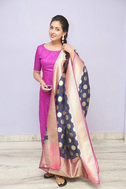 Madhu shalini  pink top banaras dhuppata