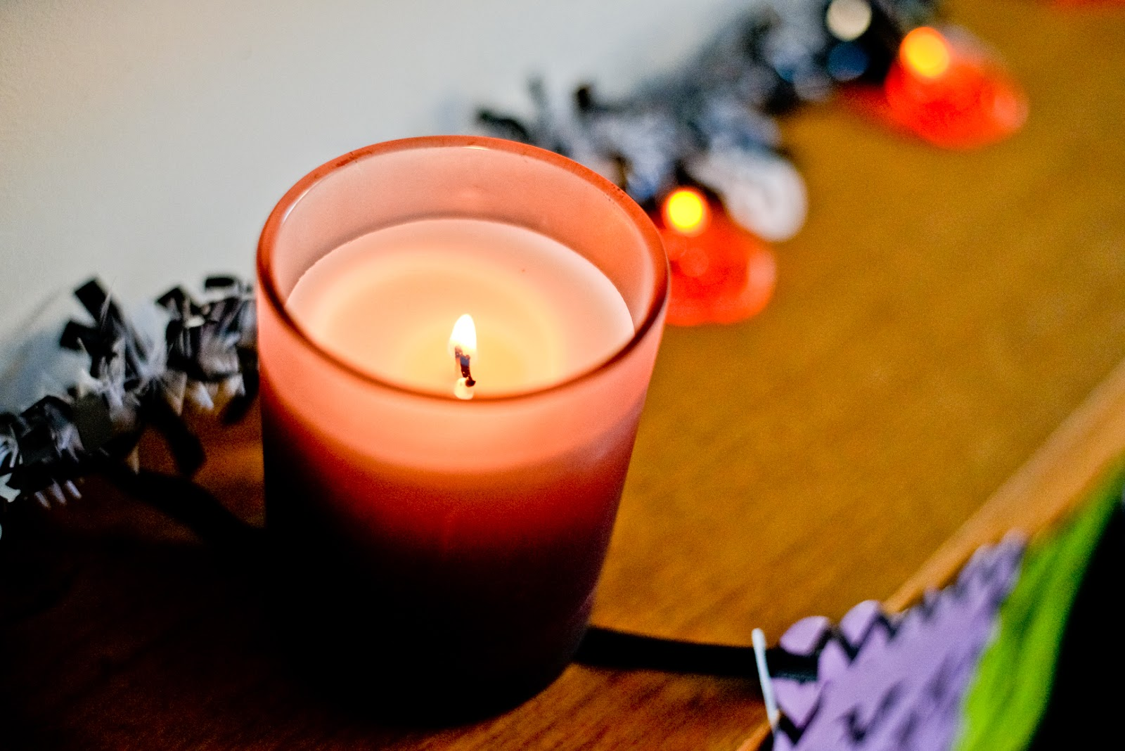 halloween home decor, halloween decor, halloween fireplace, halloween mantelpiece,