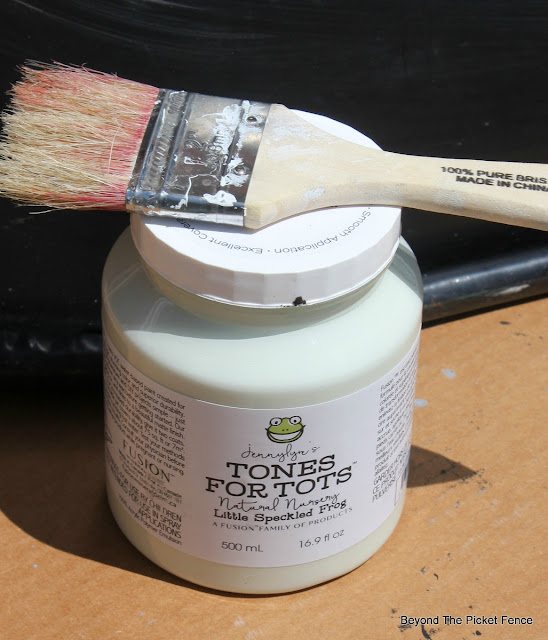 fusion mineral paint, tones for tots, light green paint, chalk paint, http://bec4-beyondthepicketfence.blogspot.com/2016/05/welcome-to-my-gardenstencil-paint.html
