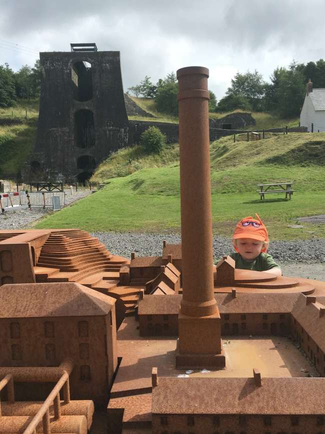 Blaenavon-Ironworks-A-Toddler-looking-at-model