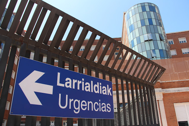 Cartel de las urgencias del hospital de Cruces
