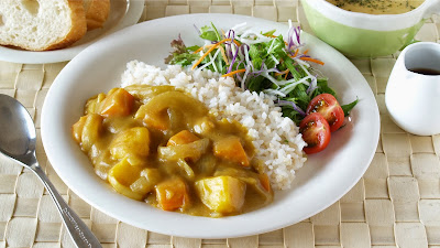 Curry Rice (curry and rice / kare-raisu) is a very popular dish in Japan.