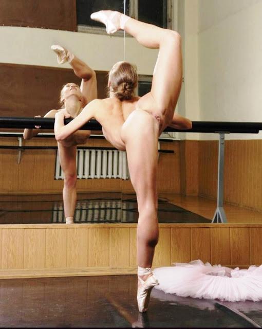 Фото эротика Гимнастки без трусов! Балерина без трусиков (12 xxx фото)