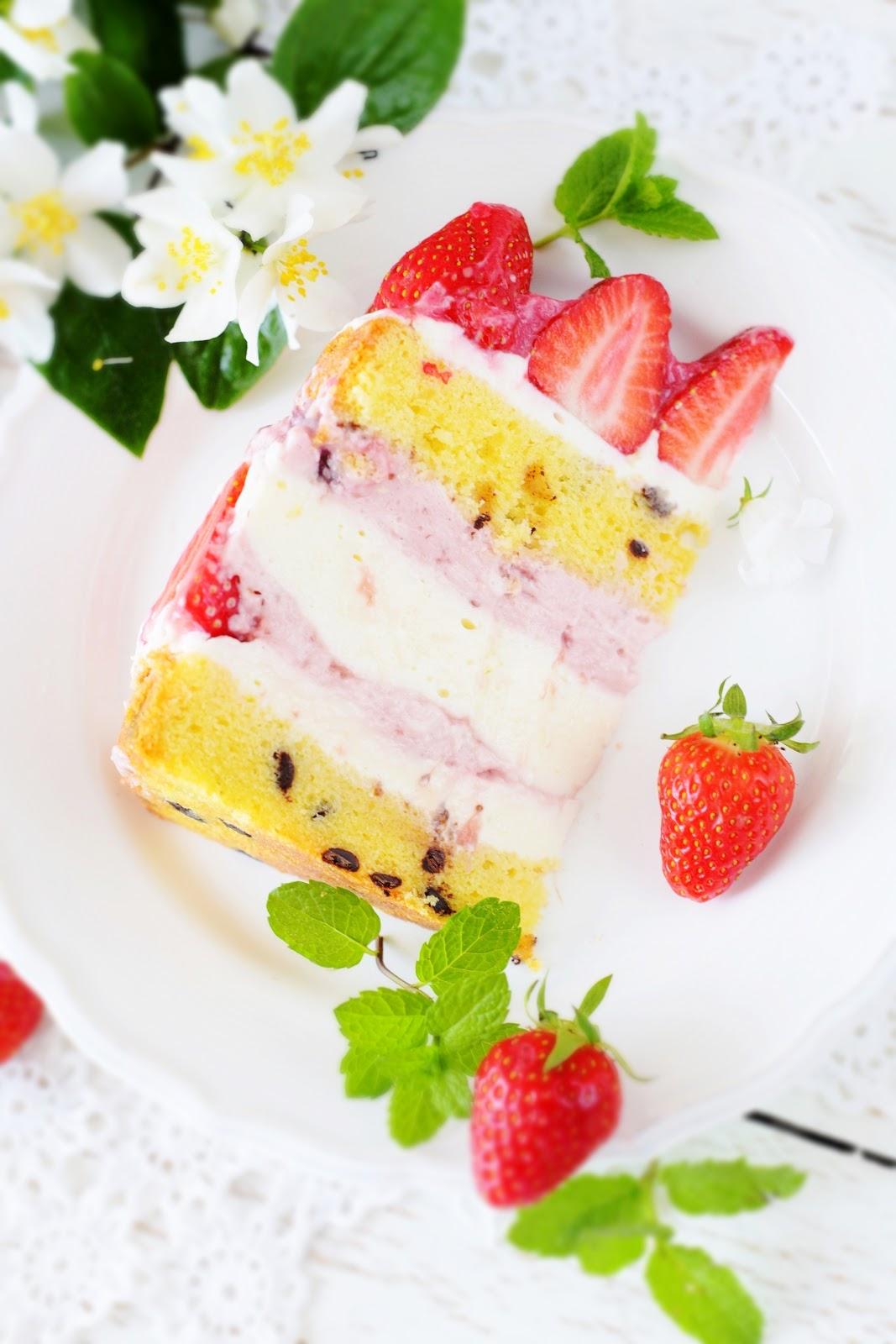 kessy 39 s pink sugar erdbeer stracciatella torte. Black Bedroom Furniture Sets. Home Design Ideas