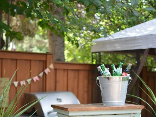 Portable Outdoor Beverage Cart From A Repurposed Shelf