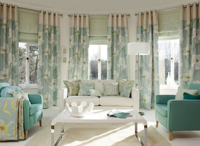 Living room drapes and curtain ideas for 2017 with nice printed design and modern living room furniture sets ideas for interior